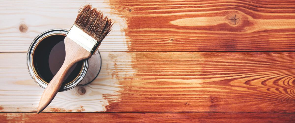 Por qué pintar casa de madera con Lasur y no con barniz ✔️