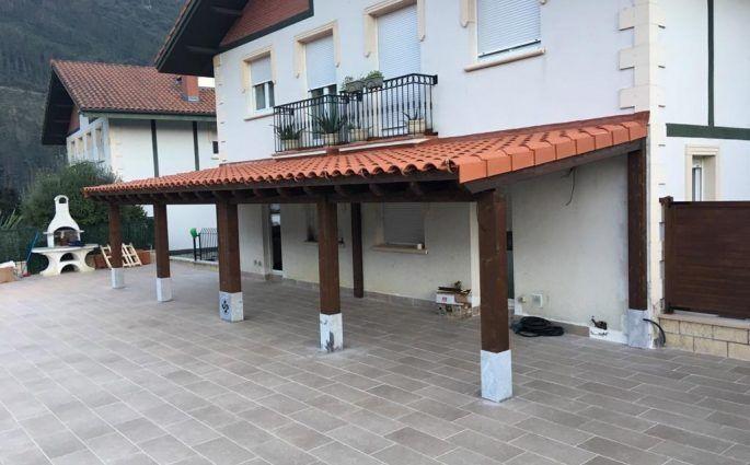 Porches de madera a medida - casas de clientes