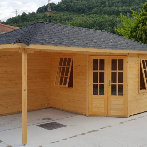 Casetas de madera con porche adosado en Navarra - casas de clientes