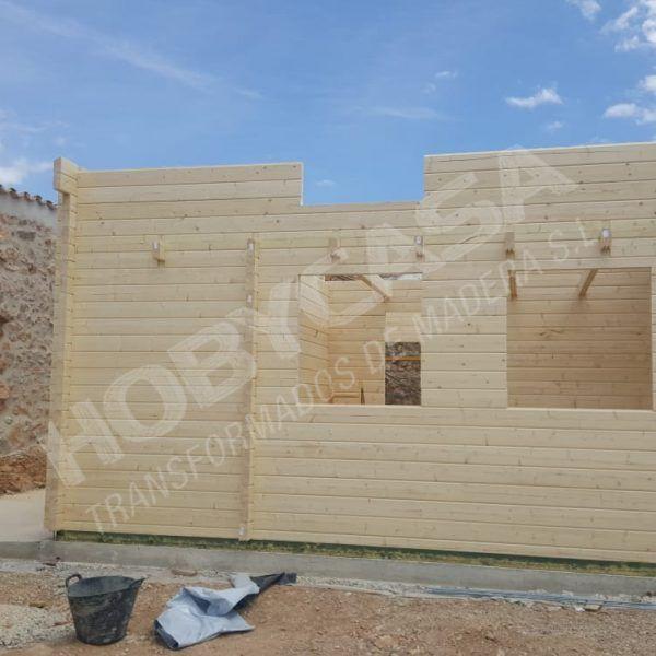 Casa de madera Mallorca montaje del altillo