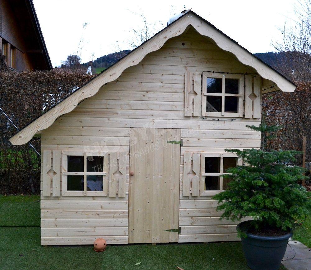Ventajas de comprar una casita de madera para niños Lola frontal