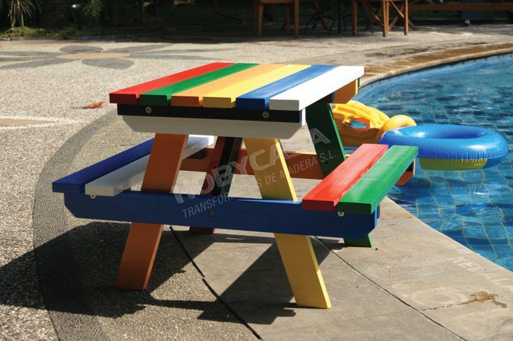 Ventajas de comprar una casita de madera para niños Mesa pintada