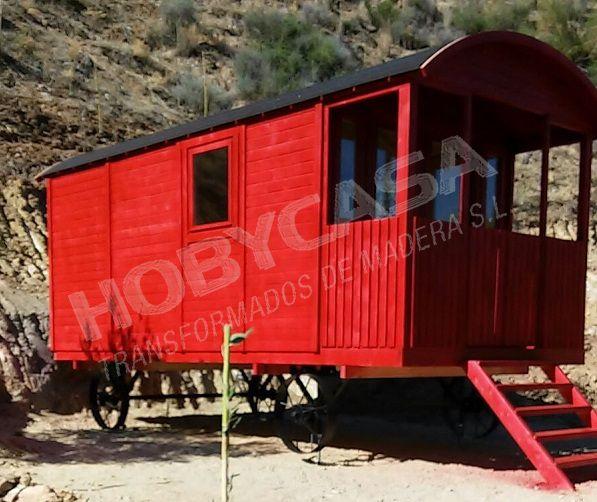 ventajas de comprar mini casas de madera gypsy roja