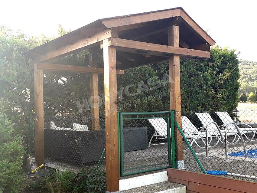 Porches de madera para casas asimétrico
