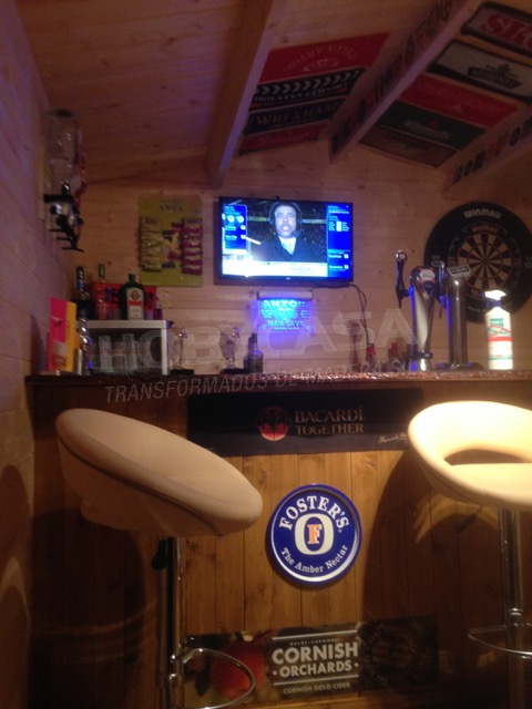 Caseta bar para jardín interior Aiste